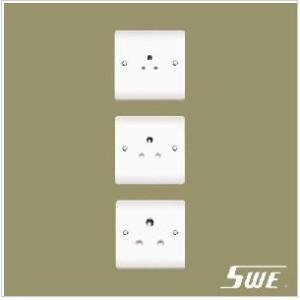 Unswitched BS 546 Socket (V Range)