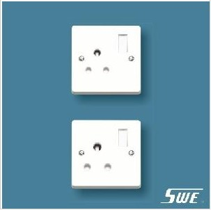 Switched BS 546 Socket (W Range)