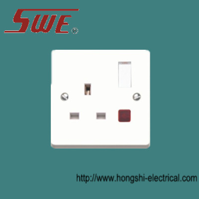 1 gang socket outlet 13A switched with neon