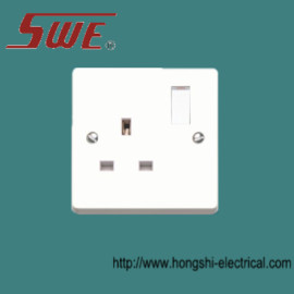 1 gang socket outlet 13A switched
