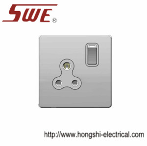 1 gang BS546 socket 5A