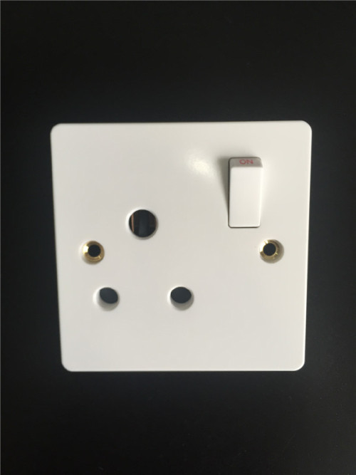 Switched BS 546 Socket