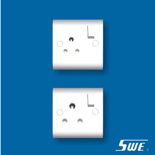 Switched BS 546 Socket (H Range)