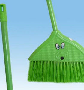 New long handle plastical broom with handle hot selling broom 5022