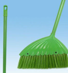New long handle plastical broom with handle hot selling broom 5015