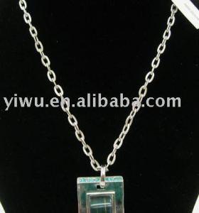 Emerald rhinestone rectangle shape necklace