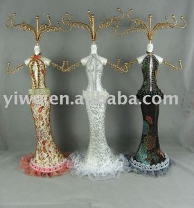 Jewelry doll display