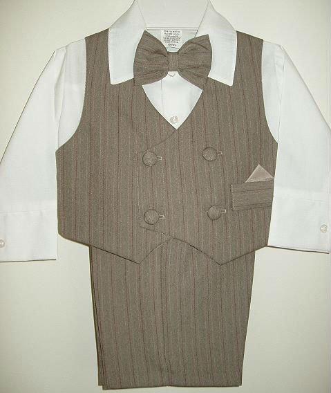 La luz - marrón - chaleco - traje. Jpg