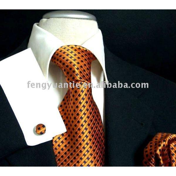 絹のネクタイ