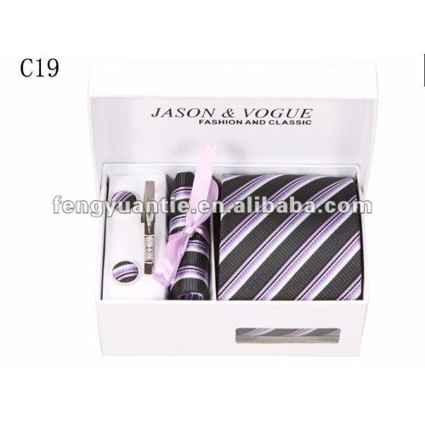 cravates en soie de marque de raie