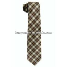 corbata de la tela del negro del mens de la manera pequeña