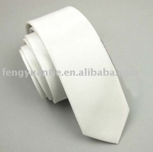 dünne Krawatte