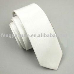 cravate maigre