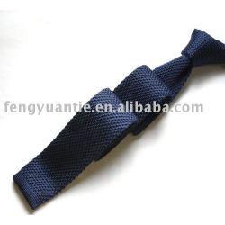 cravate de polyester