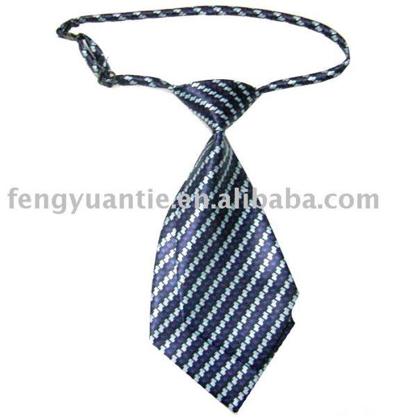 cravate plate de tirette de polyester