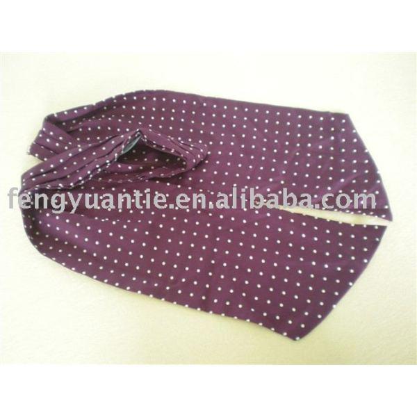 punto de color púrpura de corbata de seda