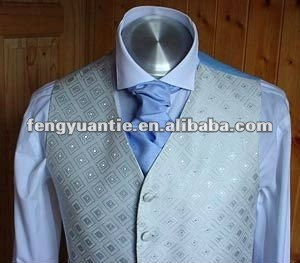 Pale_blue_with_blue_cravat. Jpg