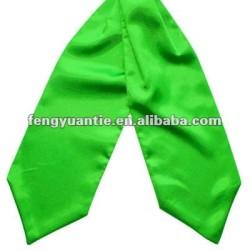 foulard formel en soie vert pomme plat