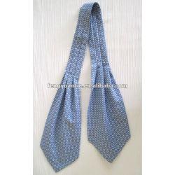 明白な青リンゴ色の絹のcravatのタイ
