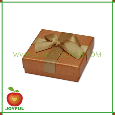 small gift box / gift packaging