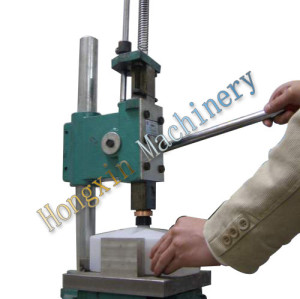 Domino bottle Capping machine