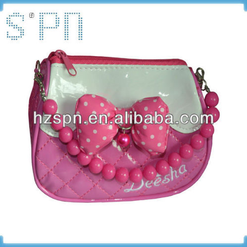 Small colorful bead chain decorate little girls handbags