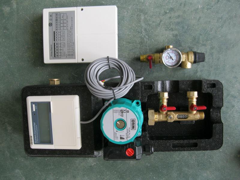split pressurized solar pump workstation