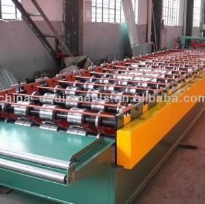 Machine, ondulé en acier feuilles
