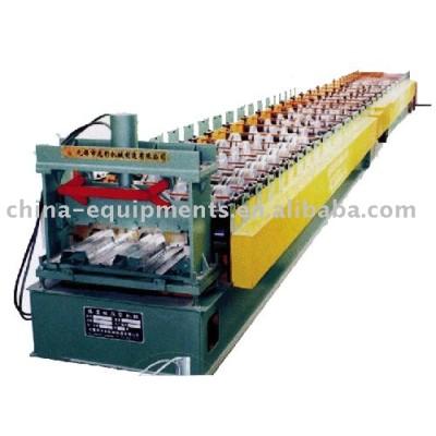 piso de acero de color tablón que hace la máquina