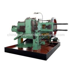máquina para a fabricação de porcas e parafusos