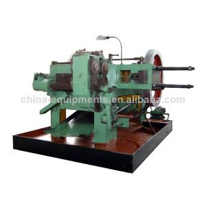 machine pour la fabrication de boulons écrous