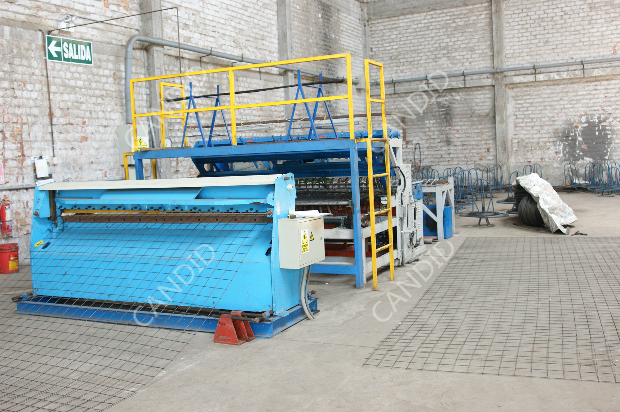 machine to make reinforced wire mesh sheet