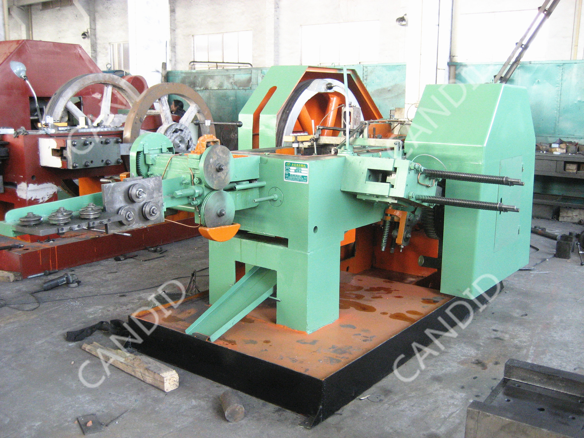 Automatic Bolts And Nuts Making Machine
