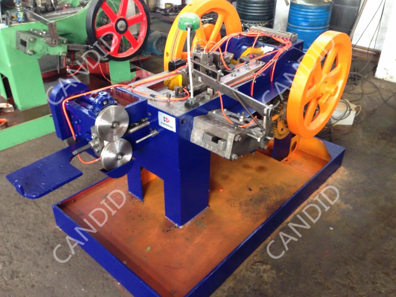 High-speed Nut Heading Machine