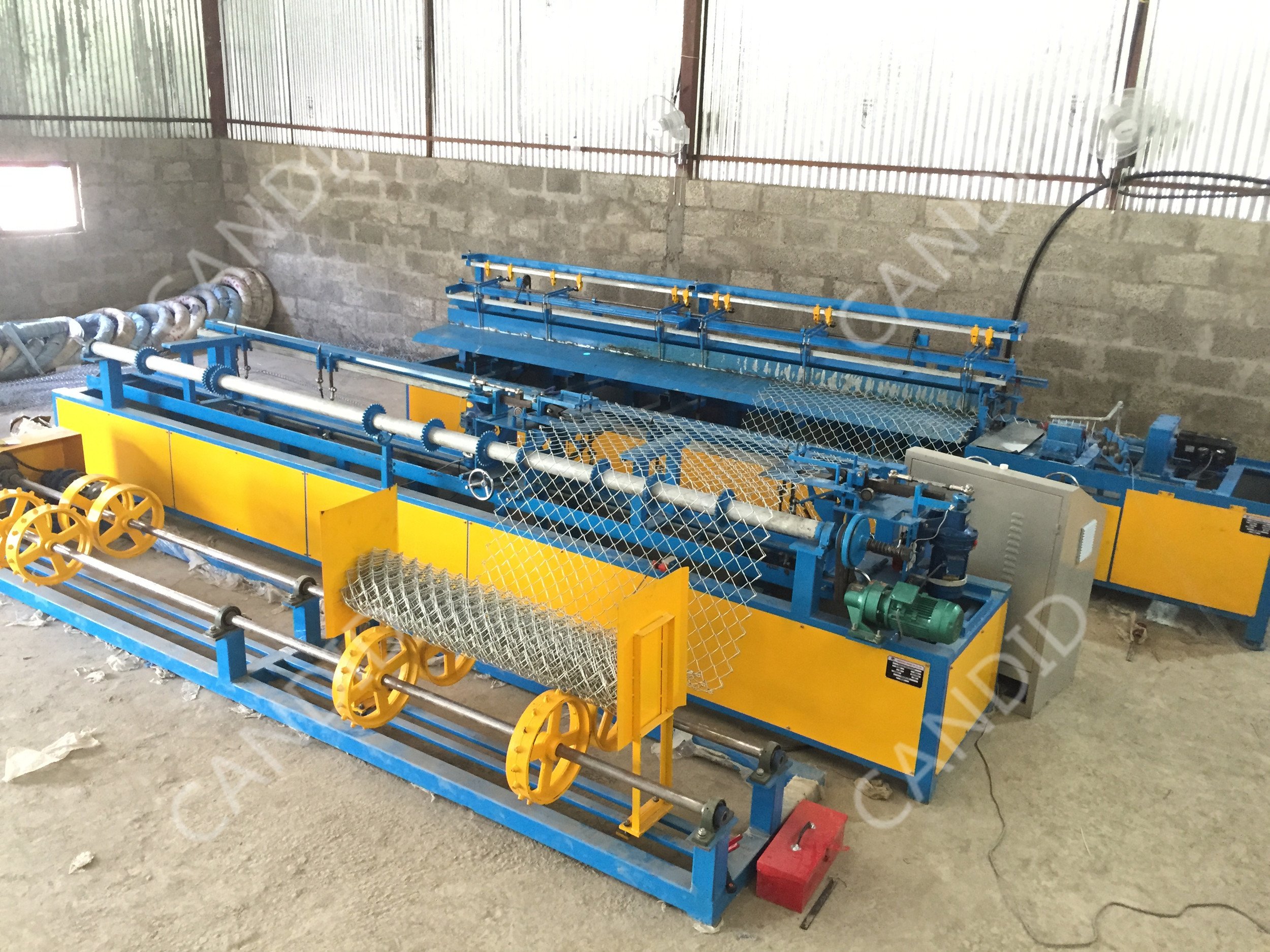 single wire chain link fence machine