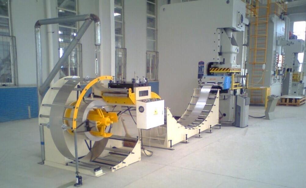고정밀 자동 생산 라인 황동 코일 먹이 기계