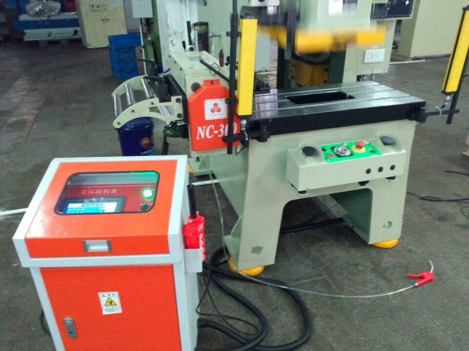automatico in acciaio tubo che fa la linea per la precisione di alimentazione della macchina