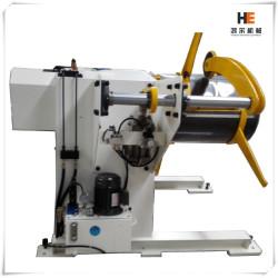 Máy tháo cuộn thép