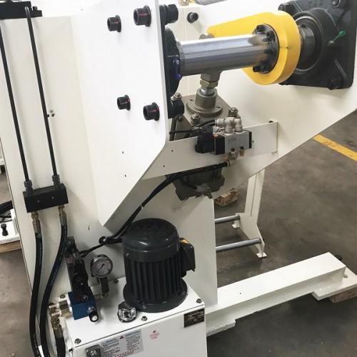 MT-F (آلة فك اللفافة الهيدروليكية)