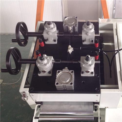 جهاز تمليس الصفائح المعدنية (0.5-6.0)