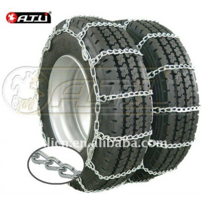 Adjustable new style truck snow chains on ice road