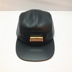 leather 5 panels hat wholesale,custom five panel hats with metal patch