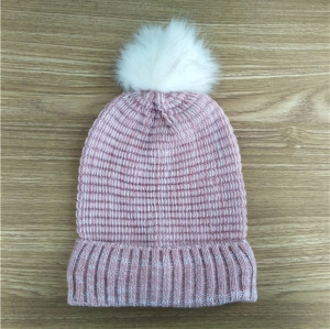 custom soft kniting hat with fur pom pom