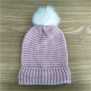 custom soft kniting hat with fur pom pom