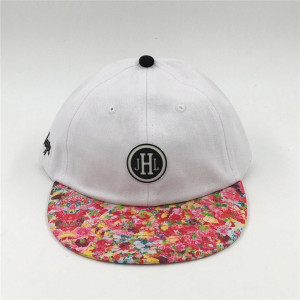 custom white cotton unstructured 6 panels snapback hat with rubber patch and printing flower brim