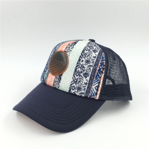 wholesale digital printing  stripe   five panels mesh trucker with custom leather patch logo made in china