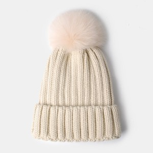 wholesale customized Thick Cable Knit Beanie Skull Cap Unisex Winter Hat with big pom pom faux fox fur