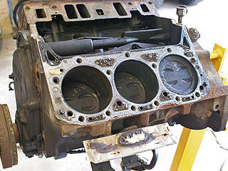 emcrra19a_engine_rebuild_99_Jimmy