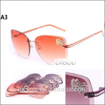 Low Price Italy Design Sunglasses Butterfly Printed
