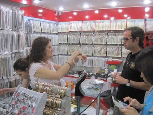 YIWU MARKET IMITATION JEWELRY AND JEWELRY ACCESSOIRES ITEMS PURCHASE AND EXPORT AGENT